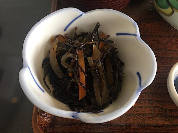 季節料理 魚吉/うに丼 一枚盛りの小鉢 ひじき
