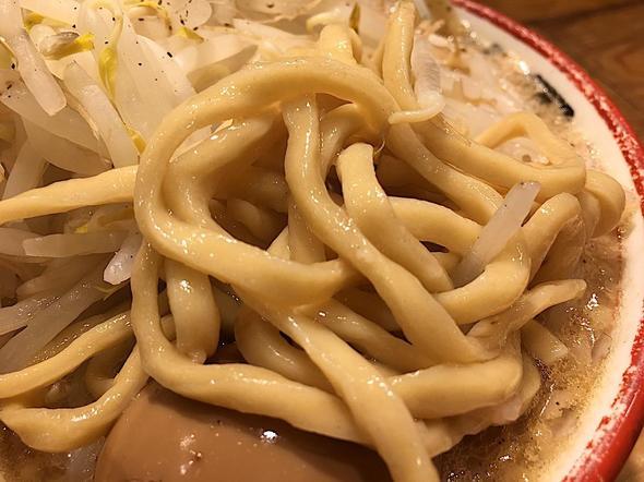 らーめん バリ男 日本橋店/BARIO/味玉らーめんの麺