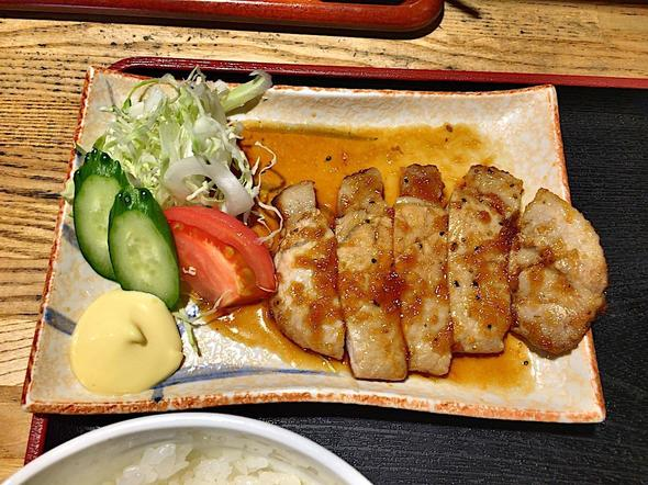 炙り処 炭だるま 青山本店/日替わり定食 トンテキ