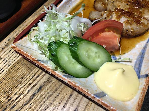 炙り処 炭だるま 青山本店/日替わり定食 サラダ