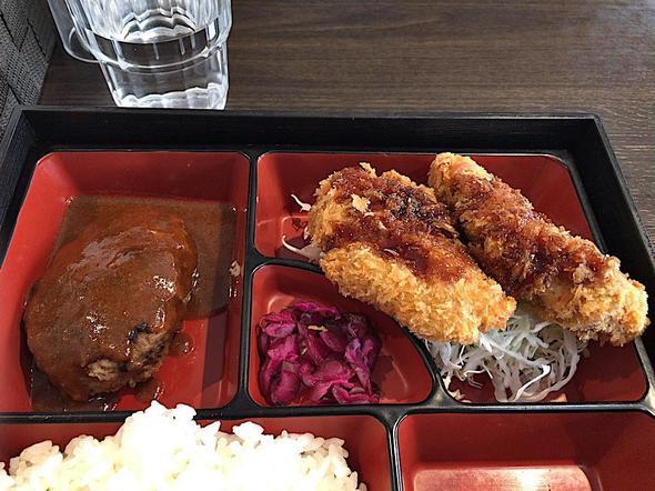 めし処 弥栄亭 南青山店/ヒレカツ・ハンバーグ定食