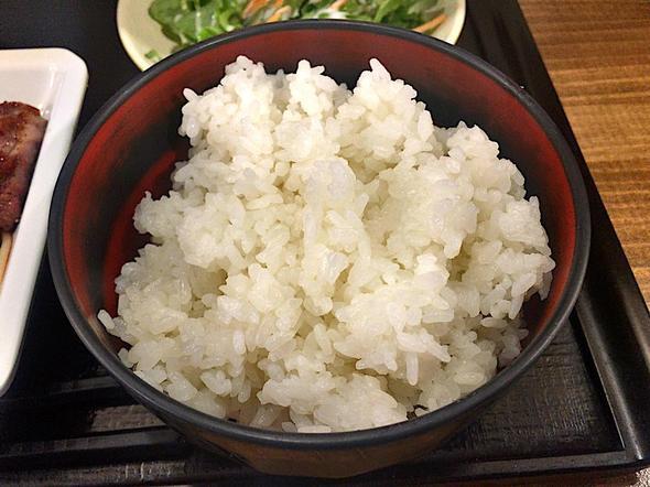 山海楽酒 およよ 西新宿店/ビフテキランチのご飯