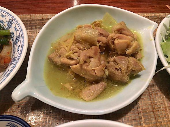 ベトナム料理レストラン ベトナムちゃん/日替わりAセットの鶏モモとレモングラスの煮込み