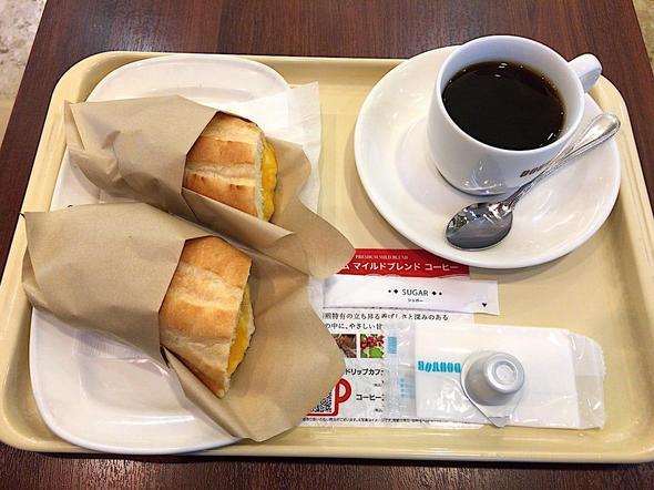 ドトールコーヒーショップ/DOUTOR COFFEE 築地聖路加通り店/ホットサンド ツナチェダーチーズ + ブレンドコーヒーS