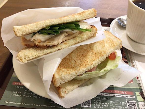 カフェ・ド・クリエ/CAFE de CRIE 築地聖路加通り店/2つのサンド 宮崎日南どりのハーブチキンとハムチーズ