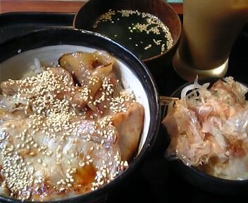 炭焼きジンギスカン専門店 カムイ 高田馬場店/北海道の豚丼