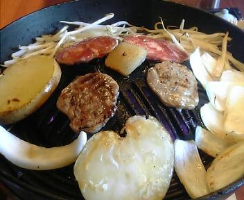 炭焼きジンギスカン専門店 カムイ 高田馬場店/北海道直送厳選野菜付きジンギスカン