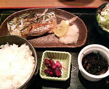 魚活鮮とあぶり焼 海へ 高田馬場店/さばの塩焼き(本日のお魚定食)