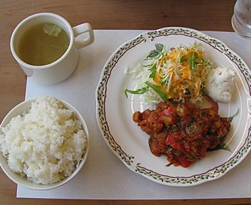 カフェテリア リバー/RIVER/チキンと野菜のトマト煮込み