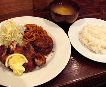 神戸洋食  エルミ食堂/煮込みハンバーグと鶏の唐揚げ