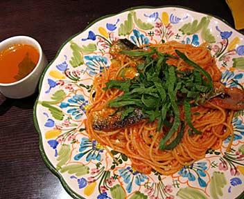 タパス&タパス/Tapas & Tapas 高田馬場店/秋刀魚とズッキーニのトマトソーススパゲッティ 大葉風味
