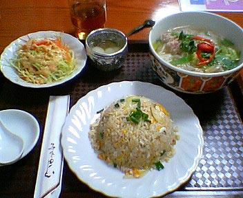 タイ料理 Asian Kitchen BaBa/シーフード炒飯とタイ風汁そばクイティオ