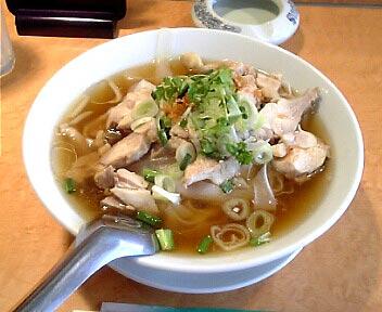 タイレストラン ボス/タイ風蒸し鶏醤油味ラーメン(太ビーフン使用)