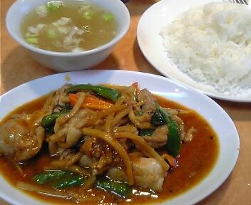 タイレストラン ボス/野菜と鶏肉の炒め