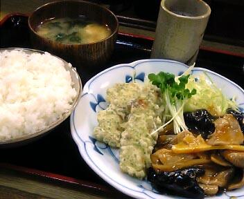 食事処 ピリカ/豚肉野菜の酢豚風とちくわいそべ揚げ